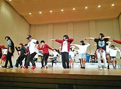 吹奏楽部との合同イベント「踊る音楽祭」でのダンスステージの様子