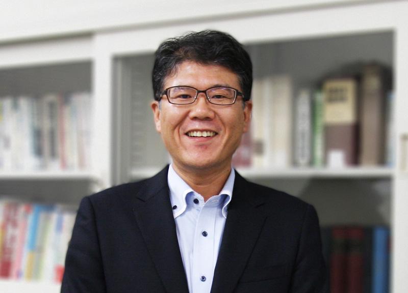 久保田良輔准教授