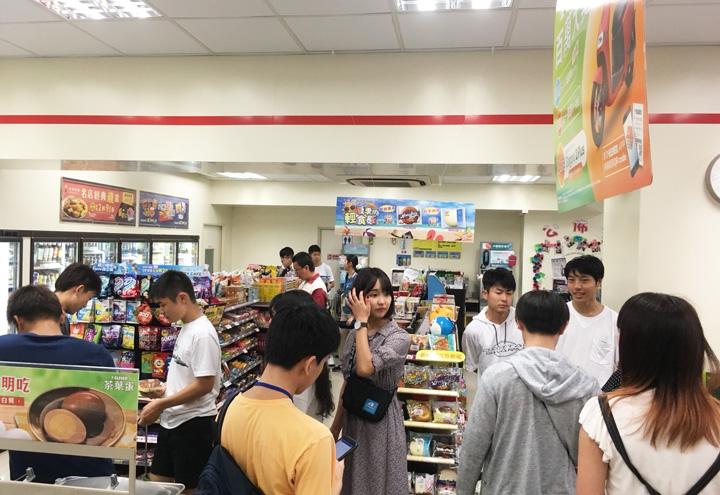コンビニで中国語を使って買い物